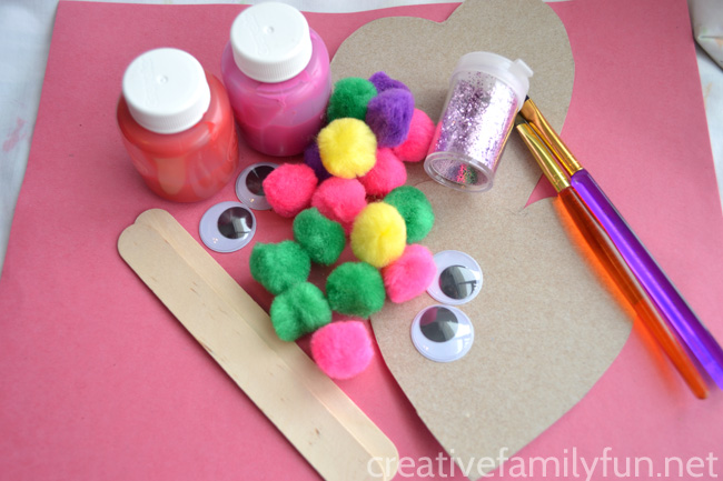 Use recycled materials to make this Silly Heart Puppet Valentines craft for kids. It's fun for toddlers, preschoolers, and big kids too.