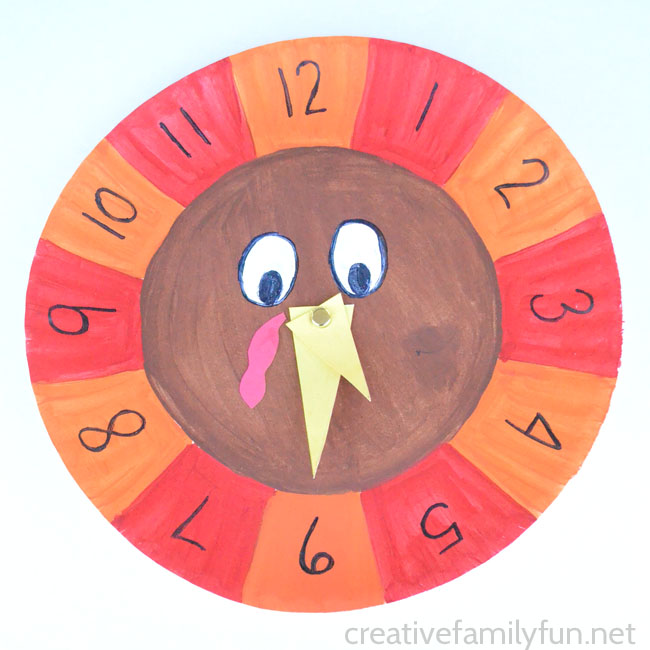 Practice telling time with a turkey clock. It's a fun Thanksgiving math activity that your kids will love. It's perfect for homeschool or classrooms.