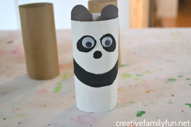 Create a pretend play zoo and add this simple cardboard tube panda bear craft. It's a simple and fun craft for kids that makes use of recycled materials.