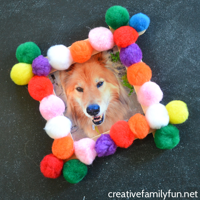 You can make this fun and simple pompom photo frame to display your favorite pictures in this easy craft for kids or tweens.