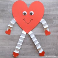 Valentine's Day Heart Craft for Kids - The Resourceful Mama