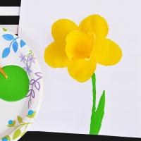 Potato Stamped 3D Daffodil Craft