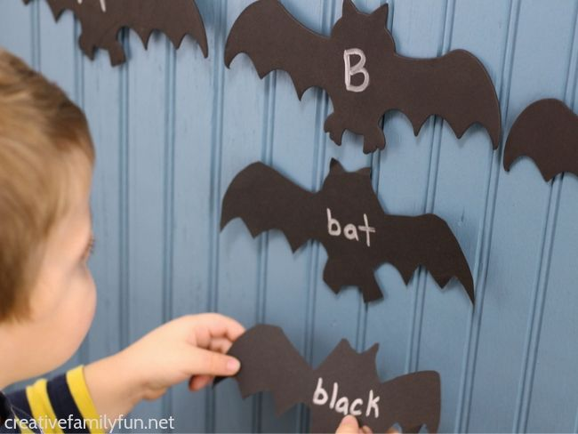 Practice the alphabet and letter sounds with this fun Halloween beginning letter sounds bat matching activity that is perfect for toddlers and preschoolers.