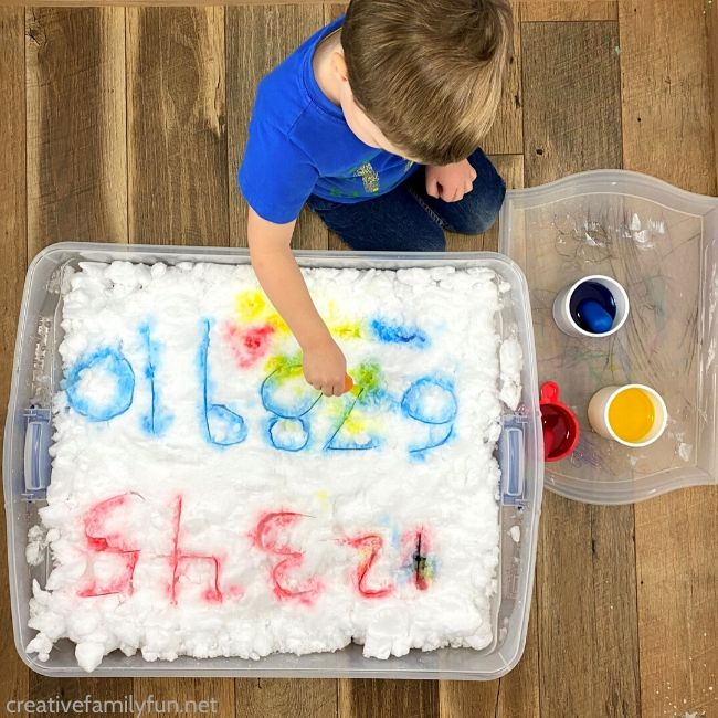 Learn your numbers with this fun sensory snow numbers activity that is perfect for toddlers and preschoolers.
